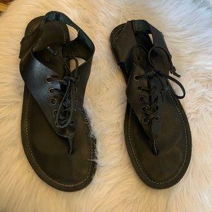 Musse & Cloud Mitic Thong Lace Sandal